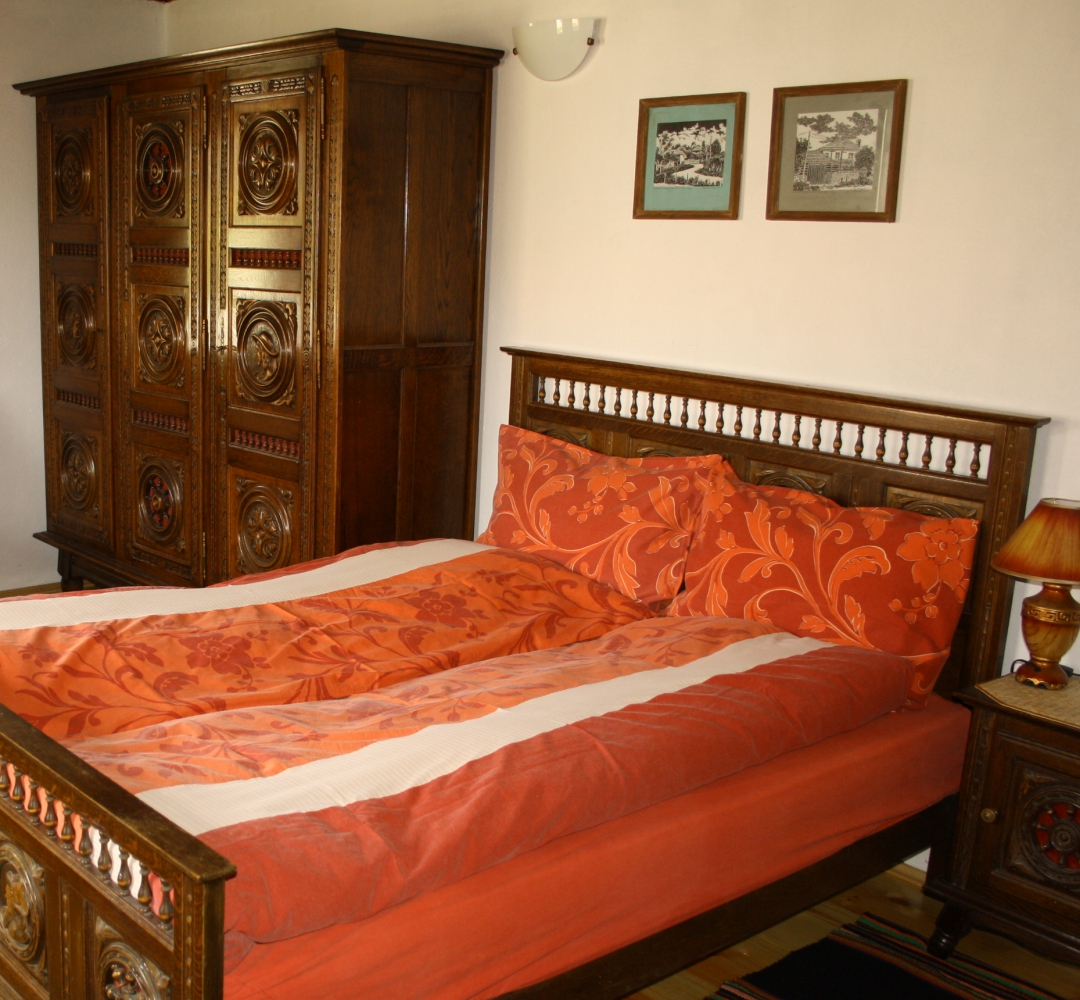 Bialata kashta bedroom